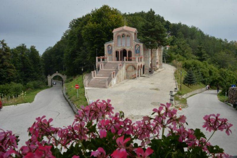 Екскурзия до Кръстова гора и Бачковски манастир снимка 5